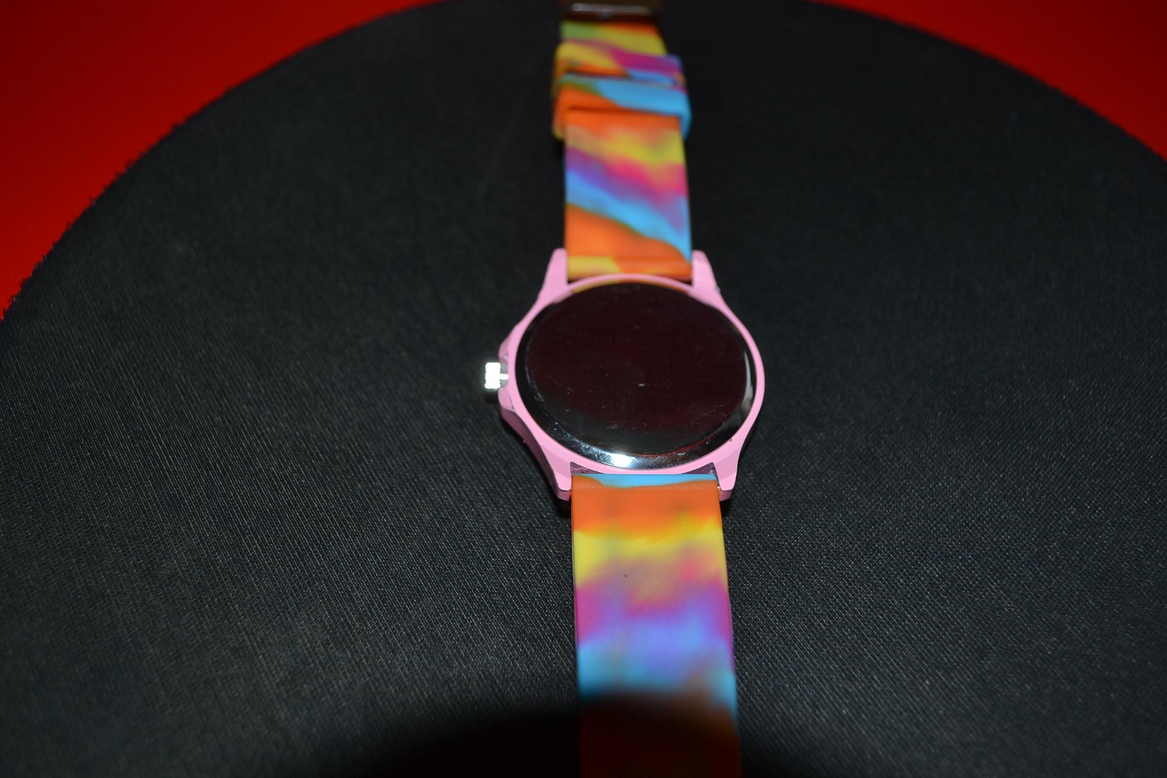 412bb753d6 Ρολόι quartz μέ κρύσταλλα και χρωματιστό λουράκι σιλικόνης - Vintage ...