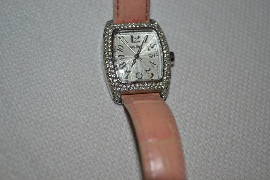 5efb733fed Ρολόι γυναικείο Folli Follie μέ ροζ λουράκι - Vintage Kosmima ...